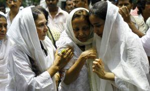 jiah-khan-funeral-2