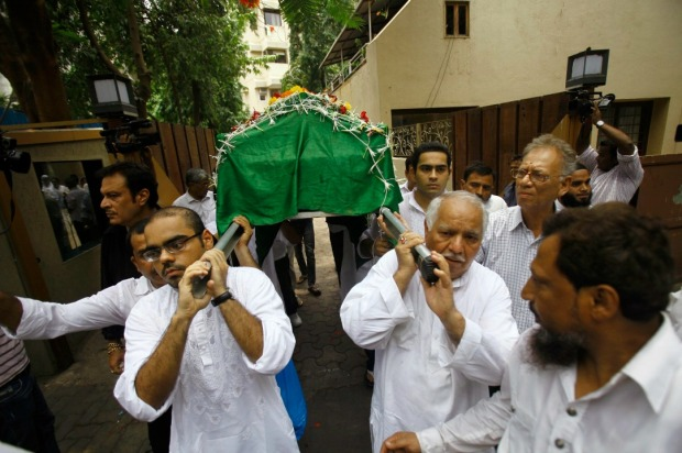 khan_funeral_casket_2